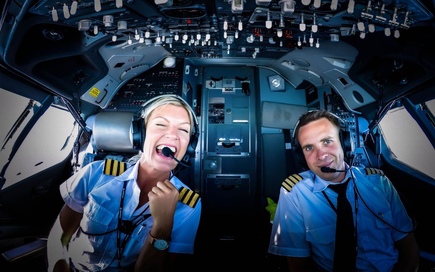 70c47c93029 Becoming an airline pilot -  pilotmaria