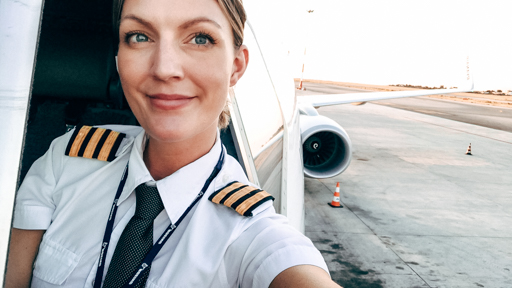 Five Steps to Become An Airline Pilot