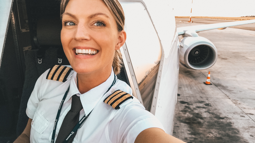 – Five Steps Becoming An Airline Pilot-