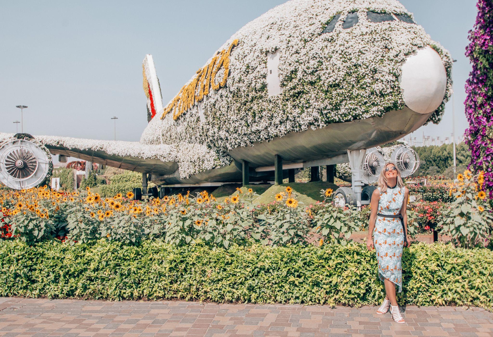 First Time In Dubai Pilot Maria # Tefla Muebles Sl